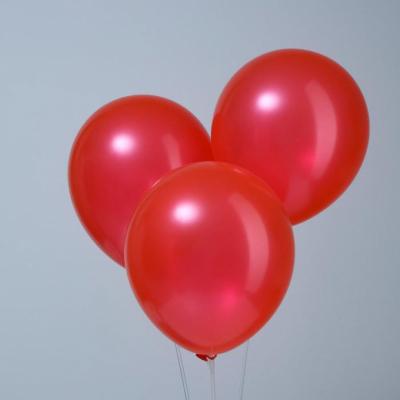 Красные гелиевые шары