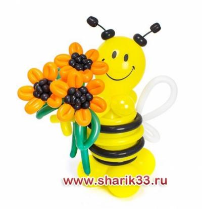 Пчелка с подсолнухами