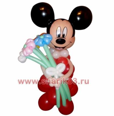 Микки-Маус с букетиком (5 цветков)