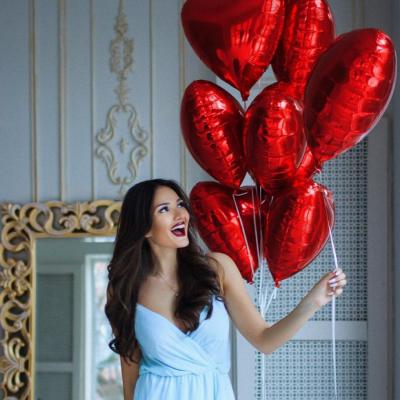 7 красных гелиевых сердец