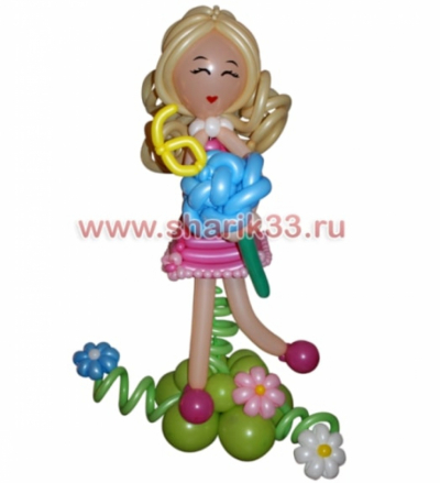 Блондинка с цветочком
