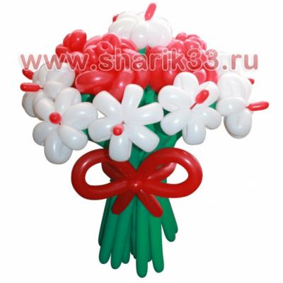 Белые ромашки и розы