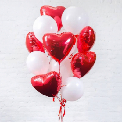Связка бело-красных шаров